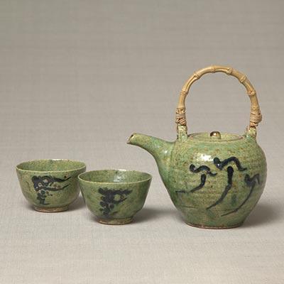 楽焼緑釉筒描茶器<br /><span>バーナード・リーチ 東京・麻布 大正時代〔日本〕1919年 10.0 x 11.6cm</span>