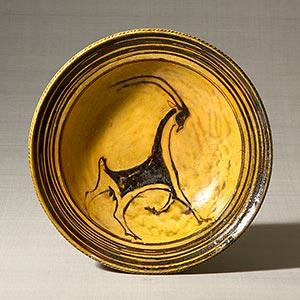 ガレナ釉筒描山羊文皿<br /><span>バーナード・リーチ セント・アイヴス イギリス 1952年 5.6 x 25.8 x 33.4cm</span>