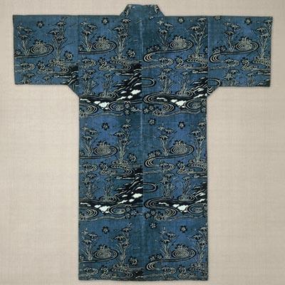 紺地菖蒲に流水桜文様藍型衣裳