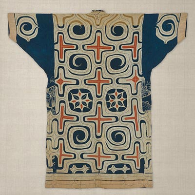 切伏衣装<br /><span>アイヌ民族(北海道)木綿、切伏 日本 19世紀 121.0 x 121.0cm</span>