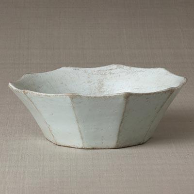 白磁面取鉢<br /><span>金沙里窯 朝鮮時代〔朝鮮半島〕18世紀前半 8.3 x 24.0cm</span>