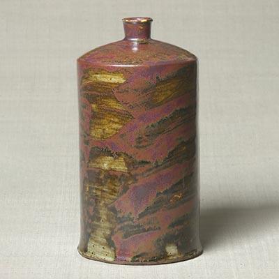 総鉄砂瓶<br /><span>分院里窯 朝鮮時代〔朝鮮半島〕19世紀 22.2 x 12.1cm</span>